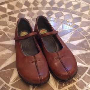 Earth Spirit Brown Leather Shoes